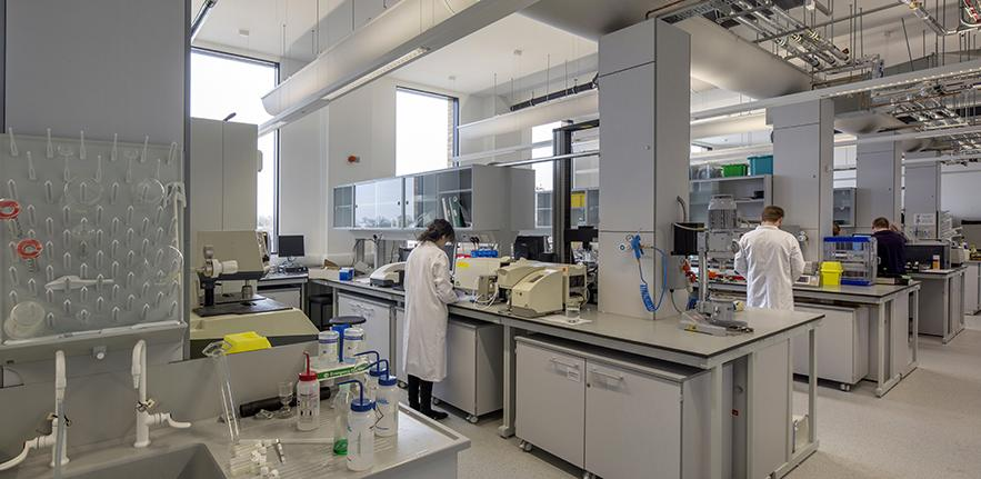 Photograph of the main CCMM laboratory in the new building.